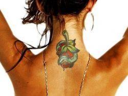 Татуировки для девушек на шее