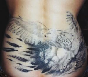 1DiyQQNX9zk1 300x262 Модные татуировки для девушек 2014