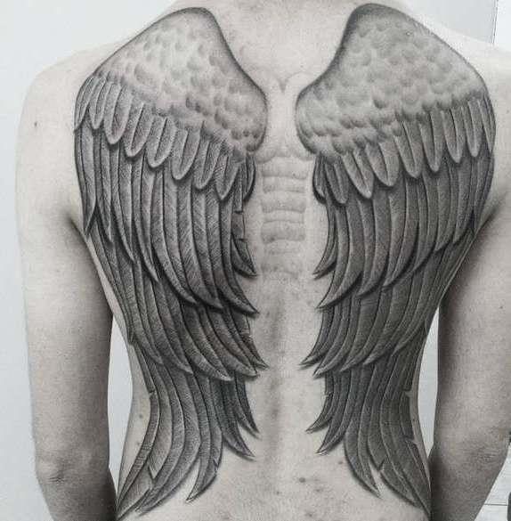 Крылья во всю спину
