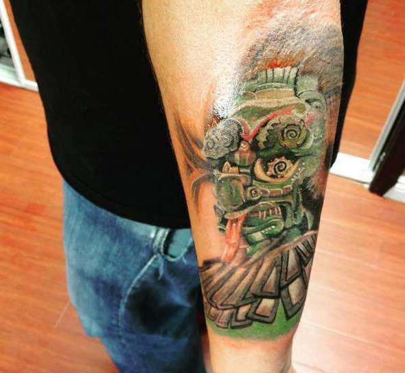 Татуировка майя в цвете