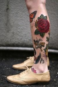 тату роза на ноге (9)