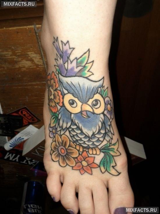 татуировка сова на ступне