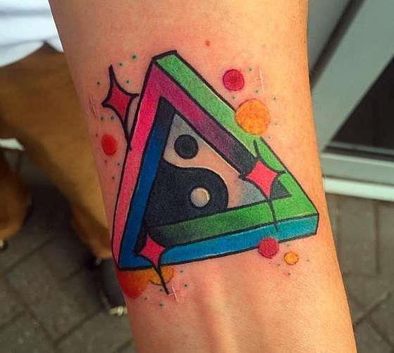 Инь-янь в треугольнике