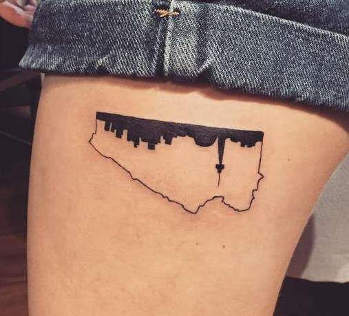 Оригинальная татуировка перевернутого города