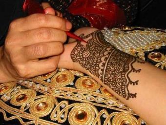 Татуировки с помощью хны
