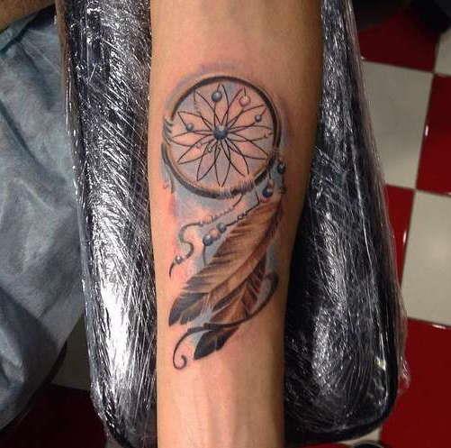 Красивая татуировка ловец снов в цвете