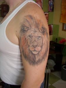 тату лев на руке (11)