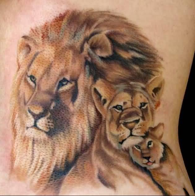 impressive-lion-and-lioness-tattoo-on-back