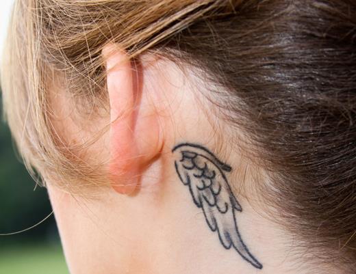 Маленькие татуировки на теле девушек