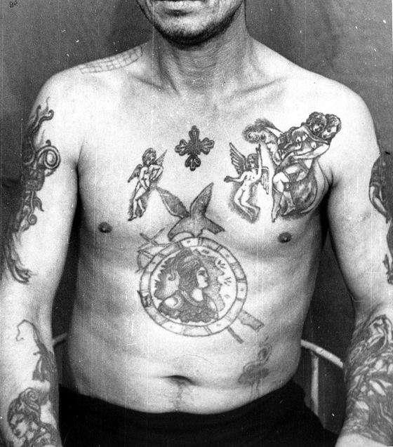 russian-criminal-tattoo-police-files-archives-designboom-01