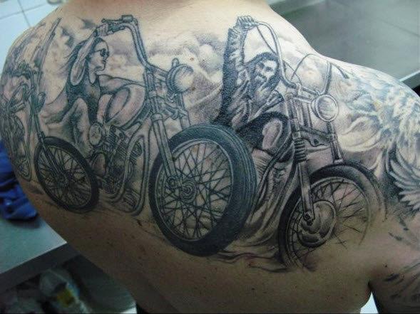 Байкерская татуировка по мотивам Easy Rider
