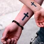 Парная татуировка крест
