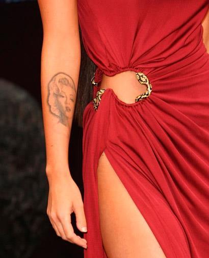 Меган Фокс.Татуировка портрет Мэрилин Монро