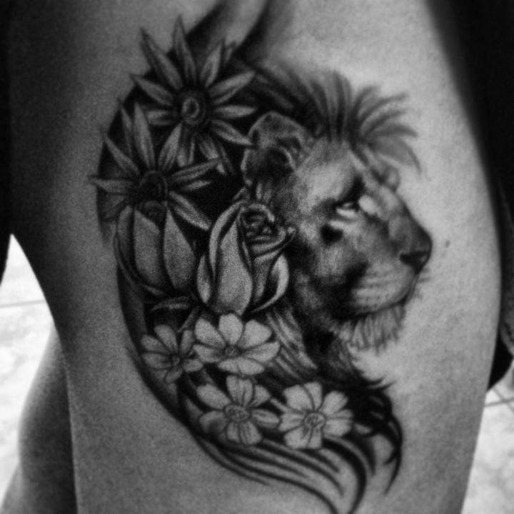 female-lion-tattoo-pics