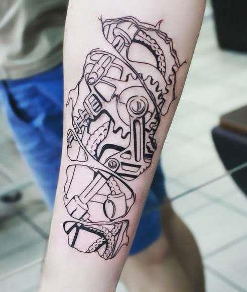 Набросок татуировки биомеханика на руку