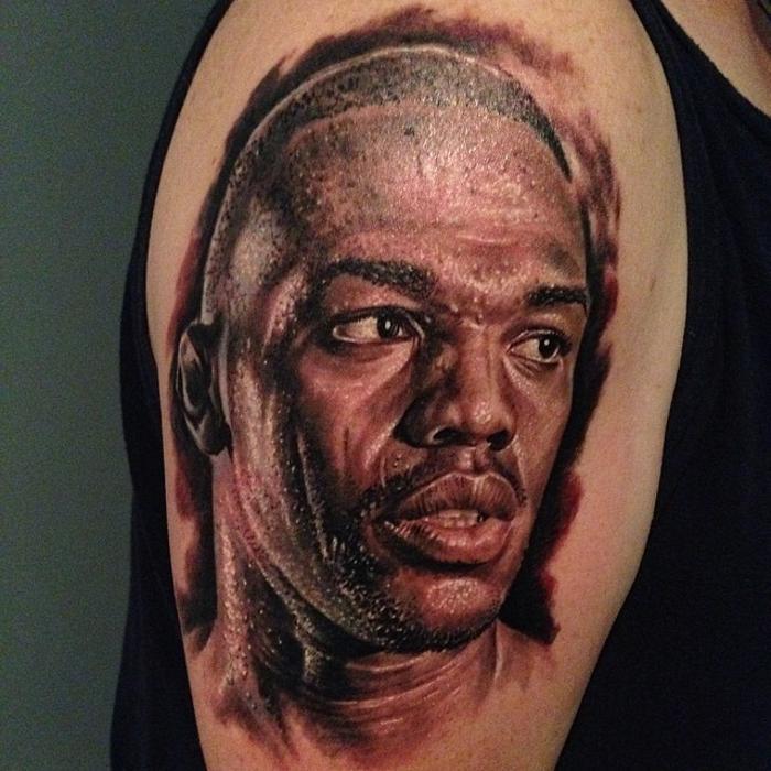 Джон Джонс татуировка
