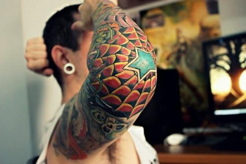 Татуировка паутина у мужчин