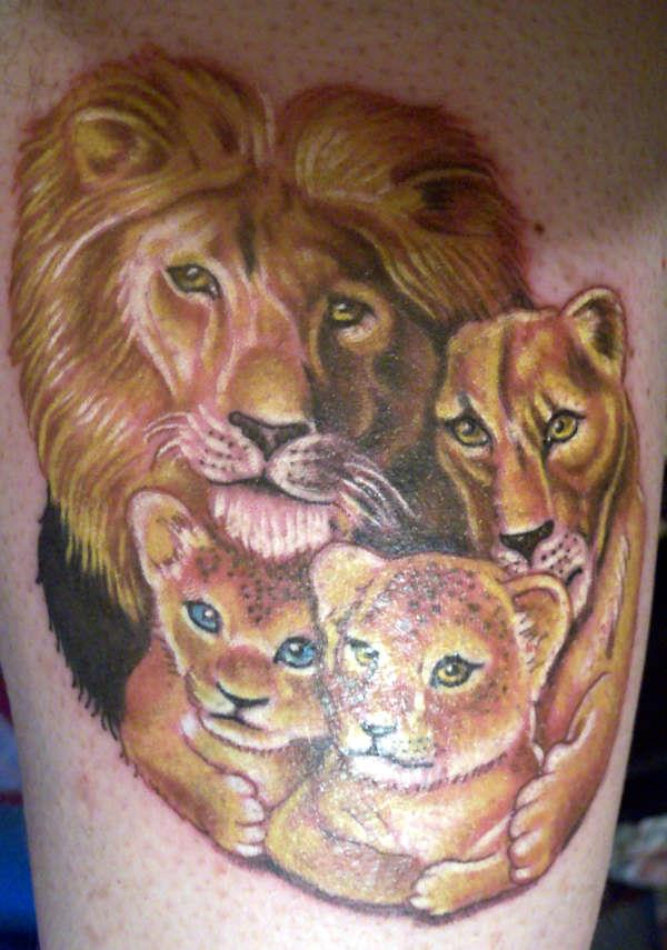 lion-family-tattoo-design-for-you-ideas-and-designjpeg-1407260296ngk48