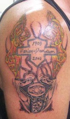Памятная байкерская татуировка к 100-летию марки Харлей Дэвидсон