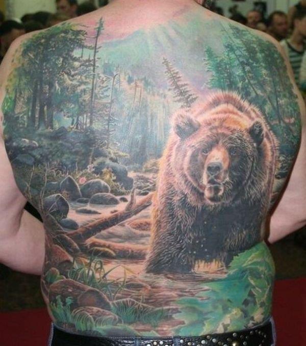 Татуировка лес на спине
