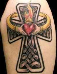 Эскиз женской татуировки Кельтский крест на предплечье