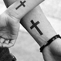 Значение татуировки крест