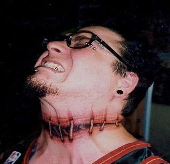 татуировки на шее мужские фото