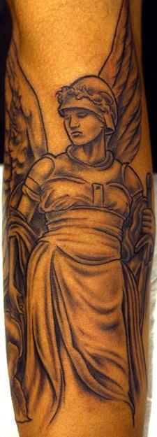 Значения татуировок с ангелами