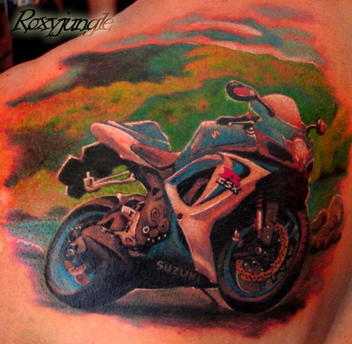 Татуировка с мотоциклом Suzuki GSXER