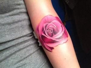 тату роза на руке (12)