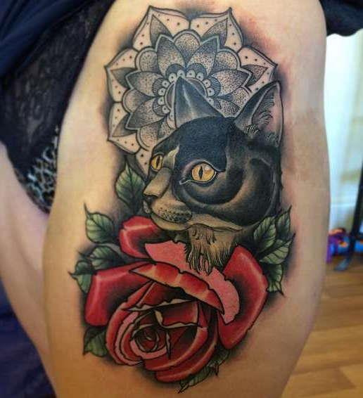 Кот с розами и узором в стиле дотворк