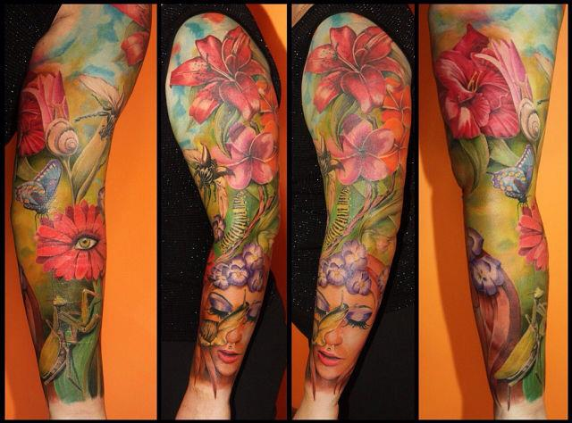 женская татуировка на руке