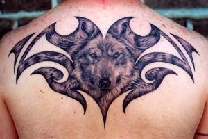 татушка волк на спине (2)