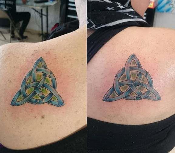 Кельтский узор треугольника на лопатке