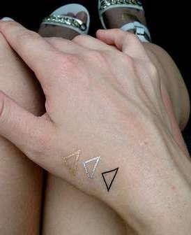 Детские тату треугольники
