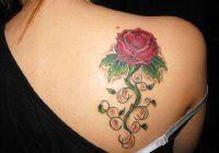 Тату роза на лопатке для девушки