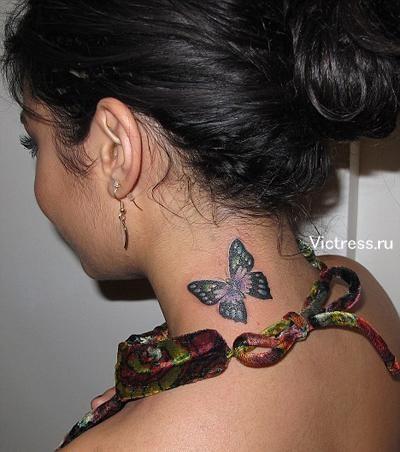 тату на шее бабочкой