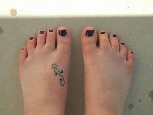 на ноге тату звезда (3)