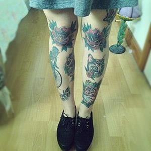 женские тату на ноге