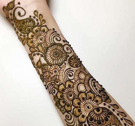 Временная татуировка на предплечье