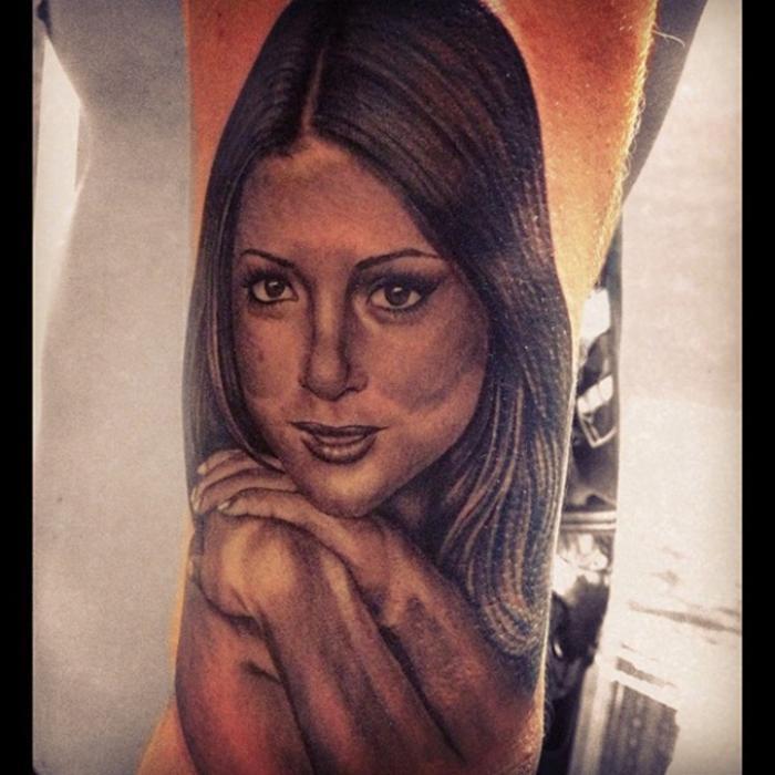 Арианни Селесте татуировка