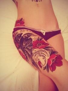 bZlY2Y9gEhM 225x300 Модные татуировки для девушек 2014