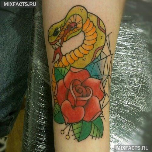 татуировка змеи на руке