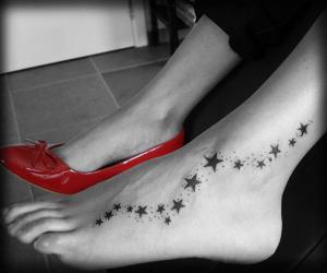 на ноге тату звезда (11)