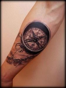 тату компас на руке (14)