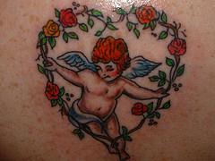 Татуировка с херувимом